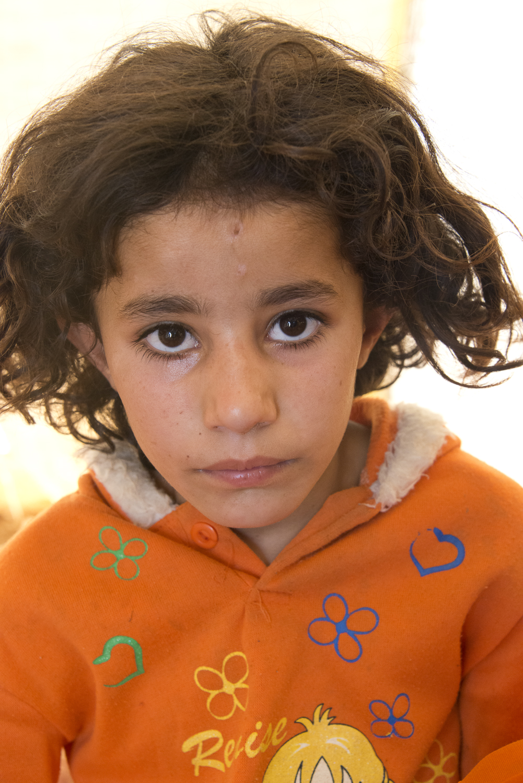 jo-kearney-photography-video-refugees-lebanon-bekaa-valley-syrian-refugees-girl.jpg