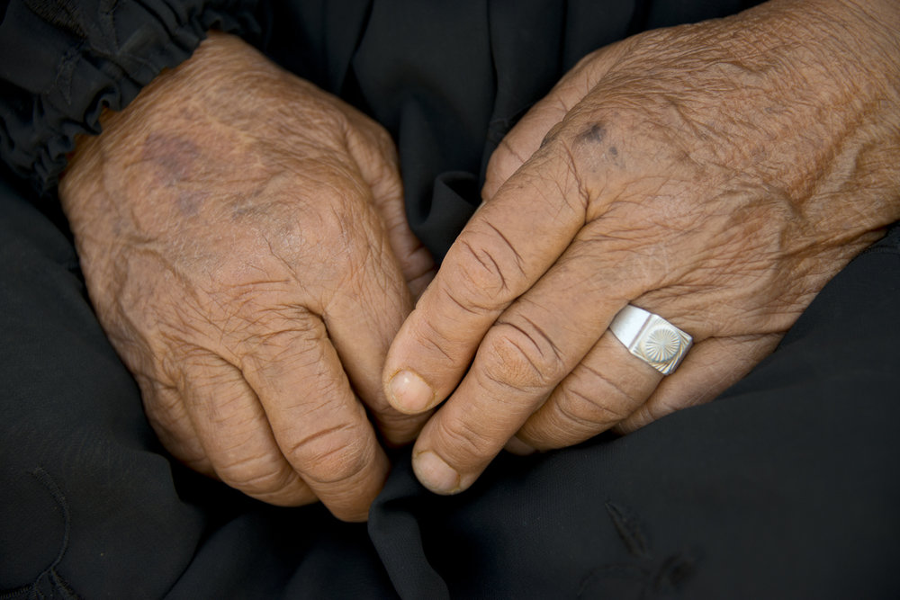 jo-kearney-photography-video-refugees-lebanon-bekaa-valley-syrian-refugees-old-hands-grandmother.jpg