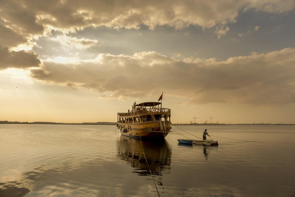 jo-kearney-dhows-dubai-migrant-worker-travel-photography.jpg