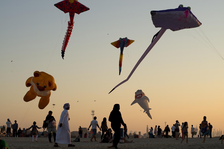 jo-kearney-video-photos-photography-travel-portraits-prints-for-sale-dubai-kites-emiratis.jpg