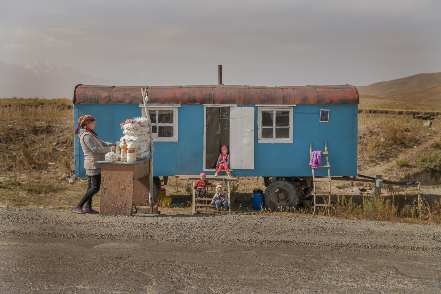 old-railway-carriage-roadside-stalls-market-kyrgyzstan-travel-photography-groceries-osh.jpg