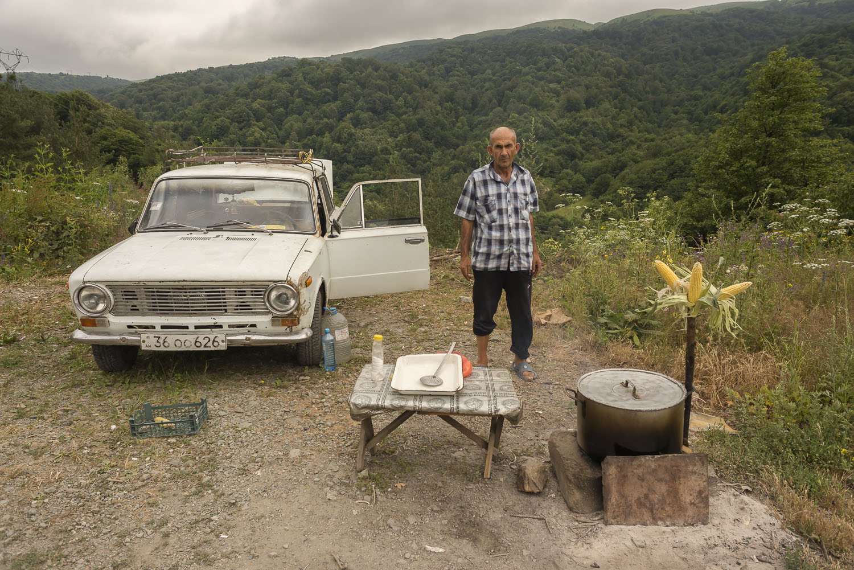 roadside-stalls-Armenia-sweetcorn-cooking-soviet-car-lada-preserves-jo-kearney-photography-video-cheltenham.jpg