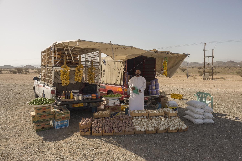roadside-stalls-dubai-uae-vegetables-Al-Ain-desert-travelphotography-jo-kearney-photography-video-cheltenham.jpg