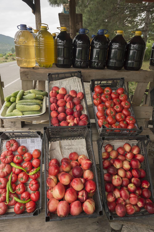 roadside-stalls-Georgia-wine-fruit-stalls-jo-kearney-photography-video-cheltenham.jpg