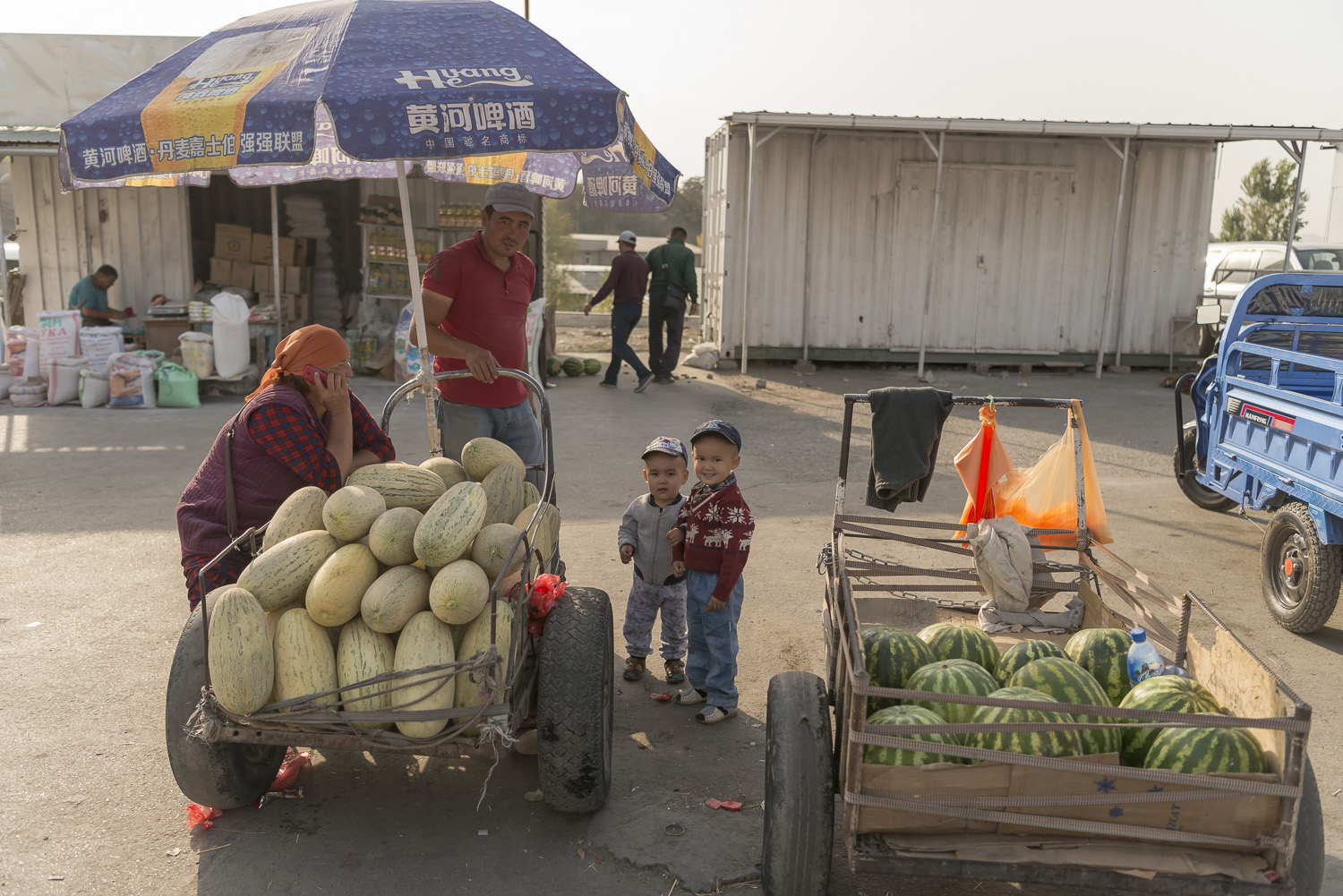 roadside-stalls-market-kyrgyzstan-travel-photography-watermelons-water-melons-osh.jpg