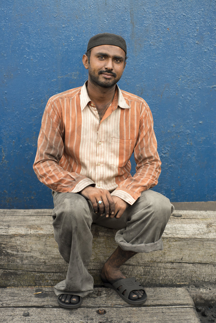 portraits-charcoal-workers-uae-jo-kearney-photography-video-travel-photography-coal-migrants-migrant-workers-bangladeshi.jpg