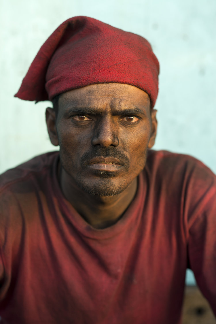 portraits-charcoal-workers-uae-jo-kearney-photography-video-travel-photography-migrant-workers-sharjah.jpg