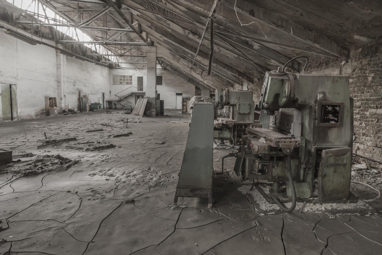 min-kush-soviet-uranium-mining-town-industrial-Russia-Kyrgyzstan-ruins-soviet-sign-jo-kearney-photos-video-photography-factory-interior-machines.jpg