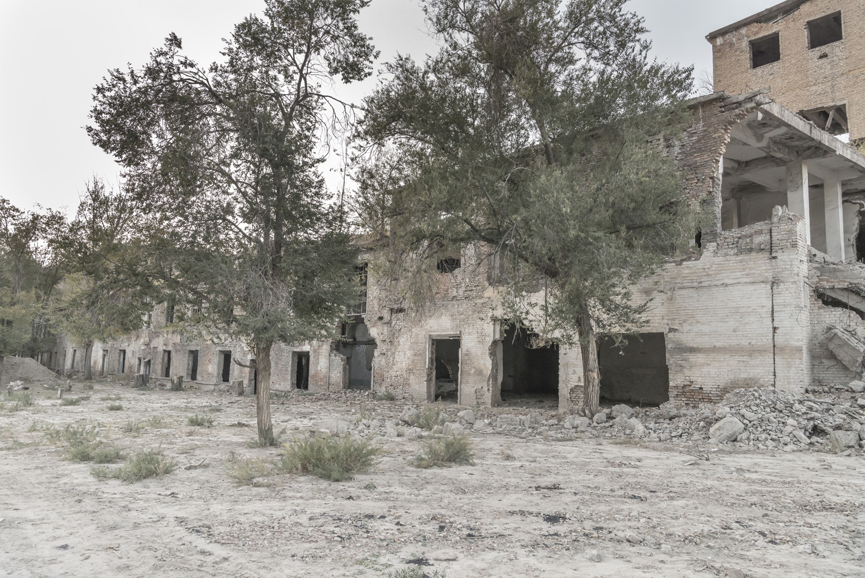 min-kush-soviet-uranium-mining-town-industrial-Russia-Kyrgyzstan-ruins-soviet-sign-jo-kearney-photos-video-photography-factory.jpg