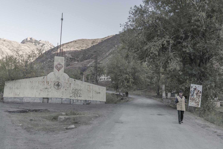 min-kush-soviet-uranium-mining-town-industrial-Russia-Kyrgyzstan-ruins-soviet-sign-jo-kearney-photos-video-photography.entrance.jpg