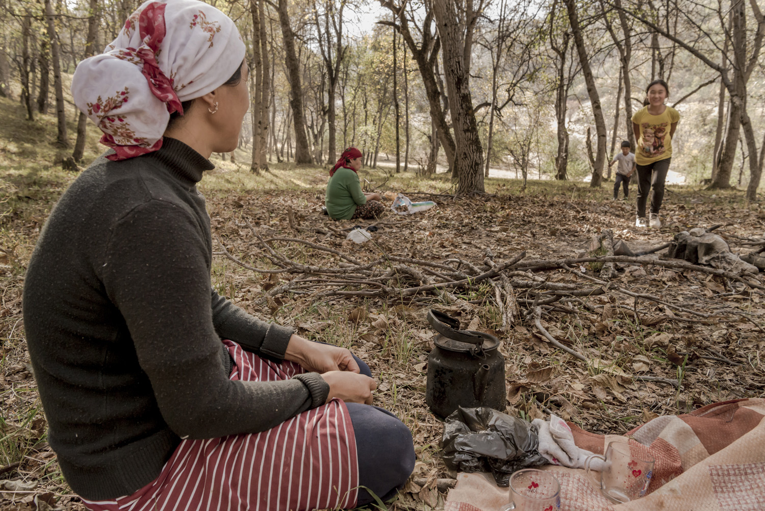 walnuts-picking-kyrgyzstan-child-arslanbob-soviet-union-russia-picnic-camping-family-mother.jpg