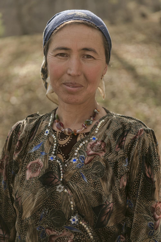 portrait-kyrgyz-woman-kyrgyzstan.jpg