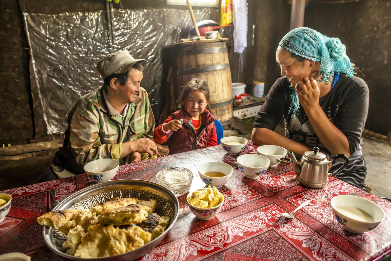 kyrgyzstan-nomads-lake-song-kul-jo-kearney-video-photography-soviet-yurt-family-camping-eating-tradition.jpg