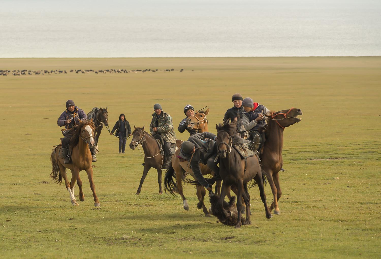 kyrgyzstan-nomads-lake-song-kul-jo-kearney-video-photography-buzkashi-polo-3.jpg