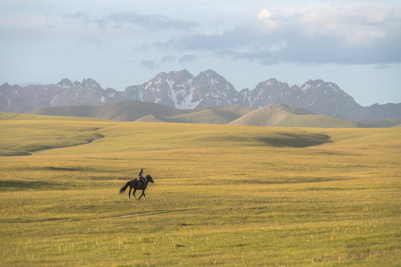 kyrgyzstan-nomads-lake-song-kul-jo-kearney-video-photography-soviet-riding-horse.jpg
