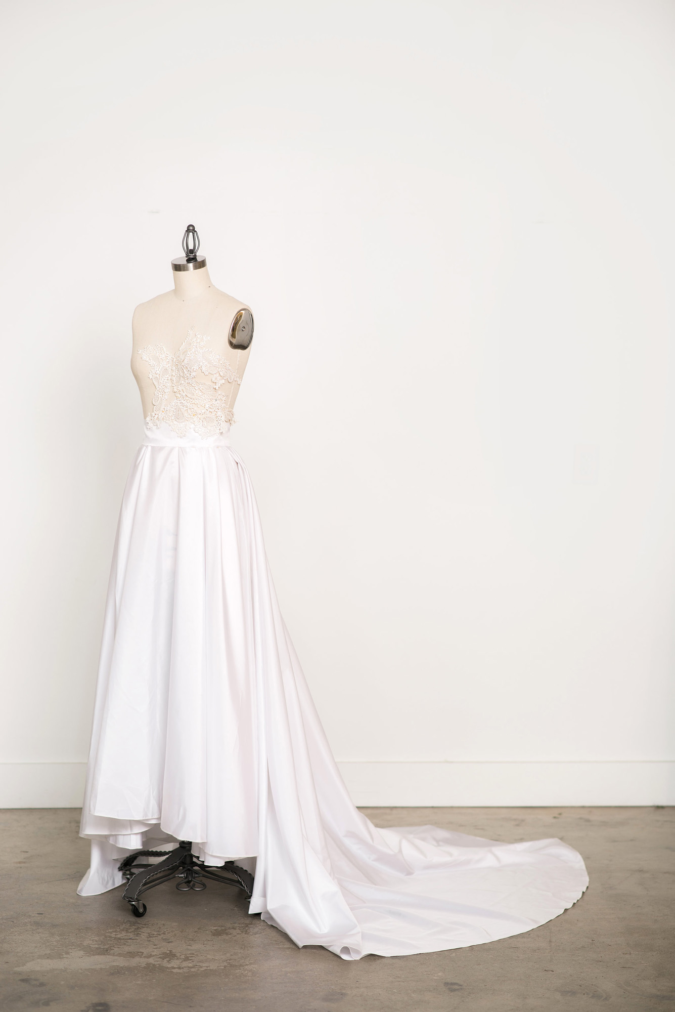 Custom Design by Angela Kim of Asheville Couture | Photography by Sarah Hooker Photography