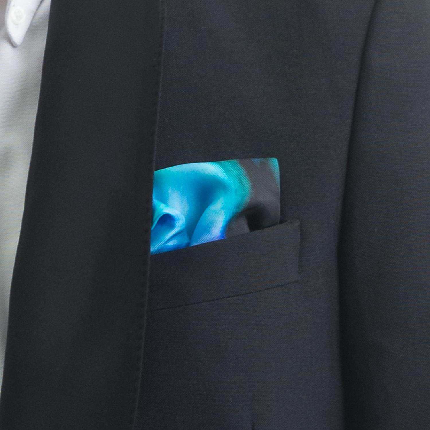 'MAD RED FLOWERS VII' SILK TWILL POCKET SQUARE, DETAIL
