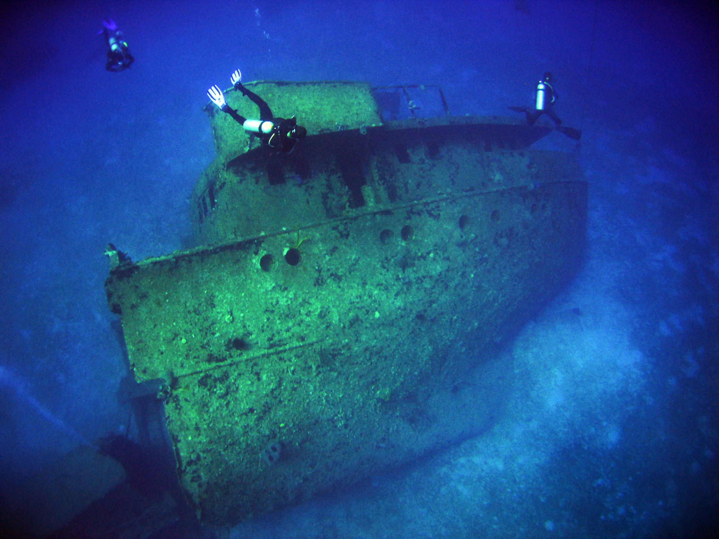 Stay and Wreck Diver