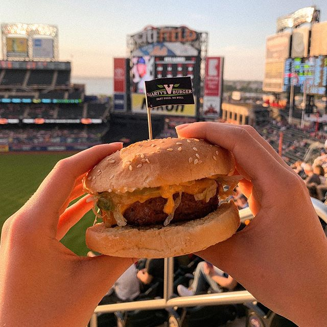 First Mets game of many of the season!!!!! Enjoying a vegan burger from @martysvburger, swipe to see a pic of me with Marty himself :~) so happy to see vegan food here at stadiums! Let's go Mets and let's go vegan foooooooooood. Keep on the lookout for a blog post featuring my ranking of vegan burgers in NYC!