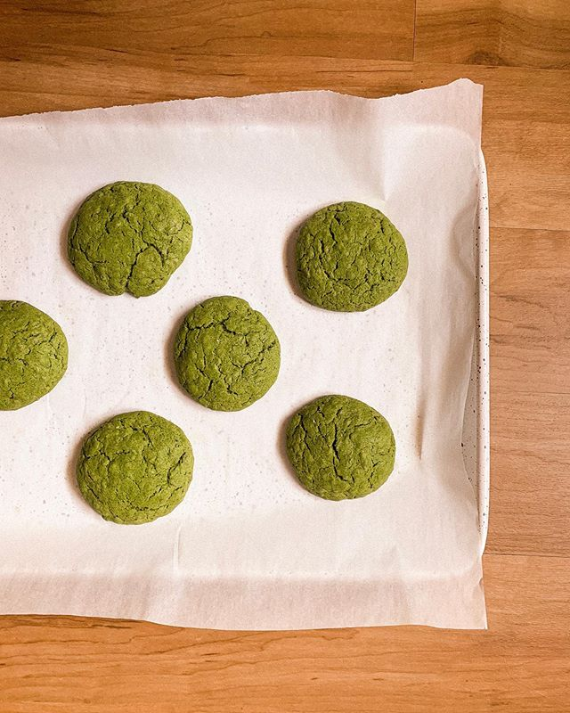 Come over I just made a bulk batch of my vegan matcha cookies 🥳 just have to dust them in matcha sugary powder!!!!!!! It's a party