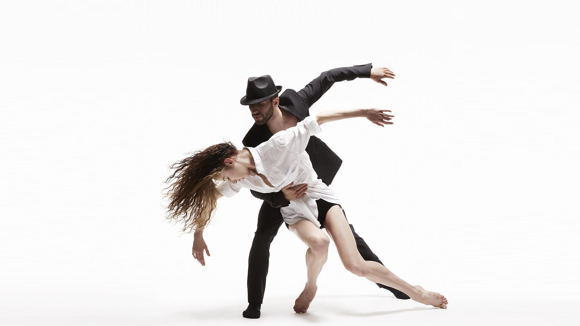 Les ballets jazz de Montréal - Dance me \ music by Leonard Cohen