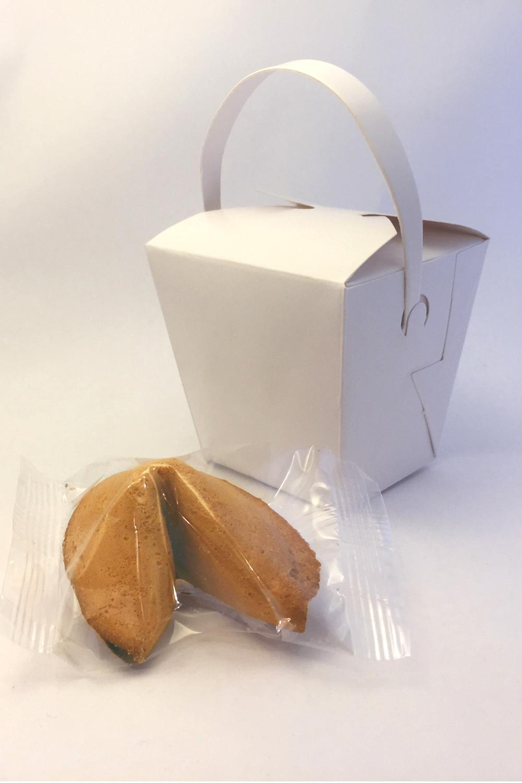 Miniature takeaway boxes