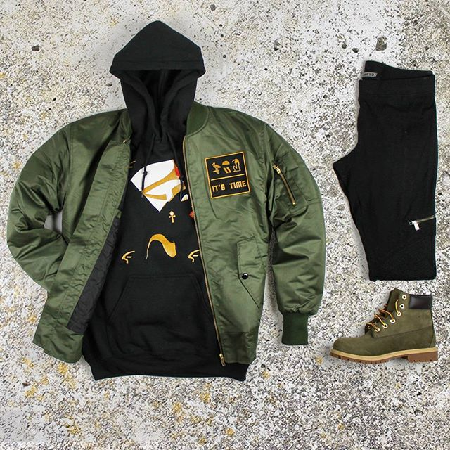More Of Our Fall 🔥🔥🔥. Mix N Match Gear Ft. Nefertiti Spirit Hoodie + Correspondence Bomber. Grab this look now to prepare for the season! Shop link in bio ☝