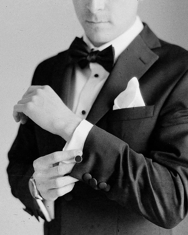 Groom details on classic black and white film 🎞 📸🤵🏻