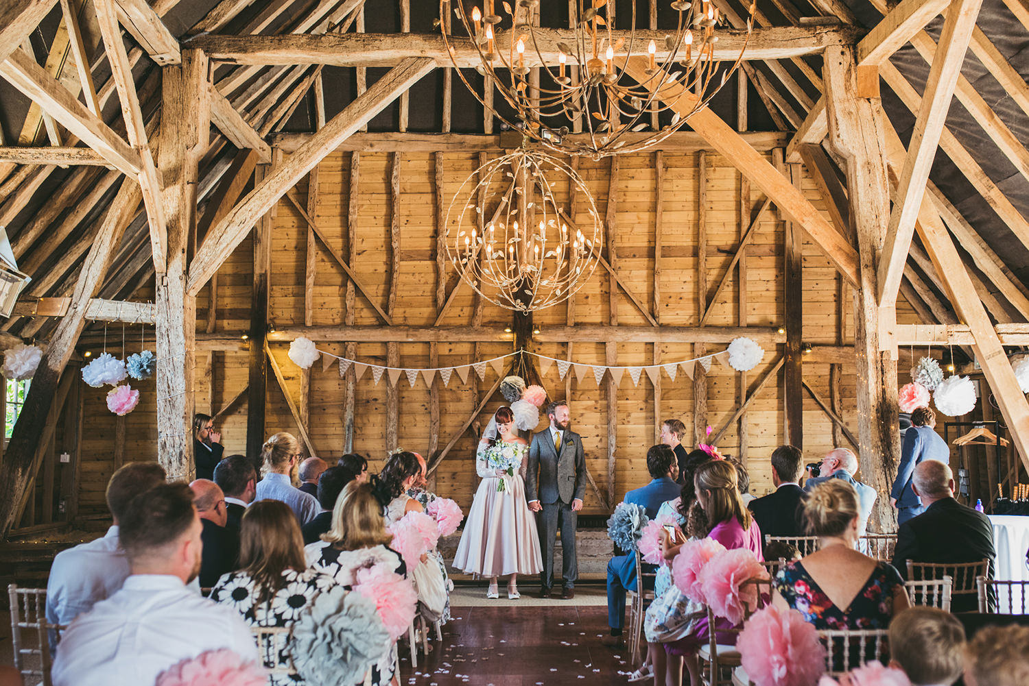 odo's-barn-bilsington-kent-wedding-photography-odo's-barn-kent-wedding-photography-by-lindsley-weddings.jpg