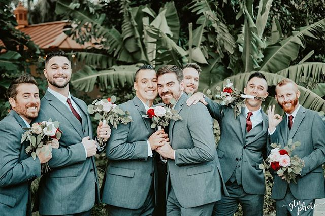 Swipe to see the most hilarious group of groomsmen and bridesmaids I've ever met! I sure hope my wedding is this fun! 🌿 #GTNphoto #OrlandoPhotographer #FloridaPhotographer #WeddingPhotographer #Bride #Groom #BestMan #MaidofHonor #Married