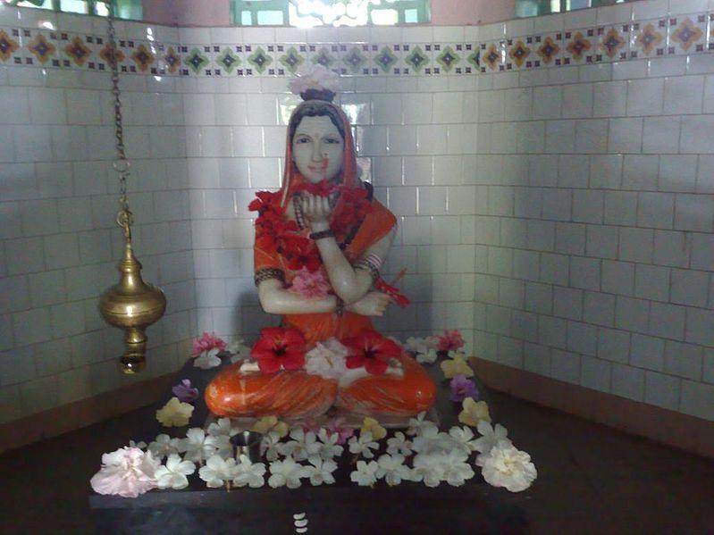 Akka Mahadevi idol at temple in Udathadi in Karnataka, India.  Public Domain Image .