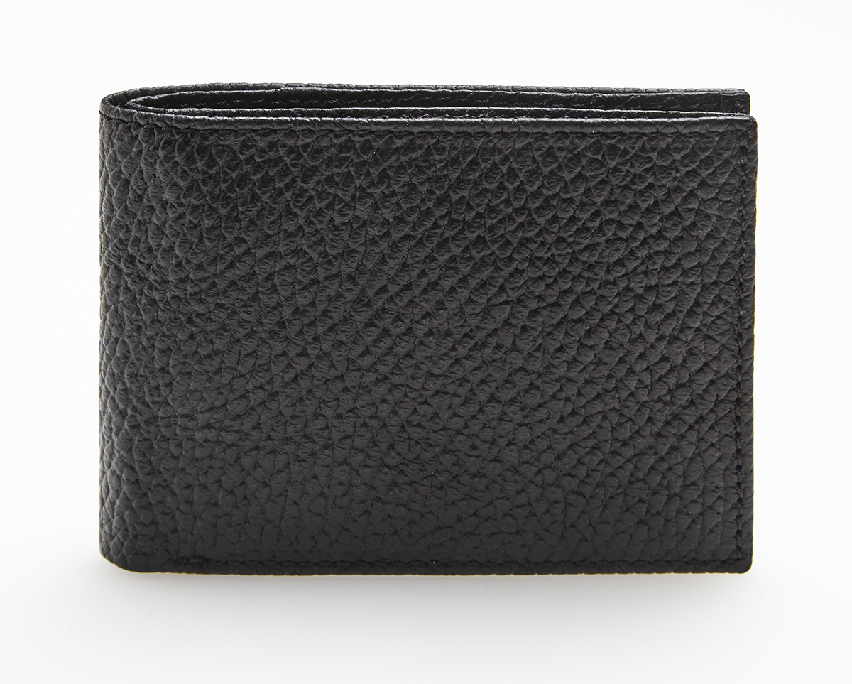 Efficient bifold (billfold) style with trim profile. One main compartment that easily accommodates many US bills
