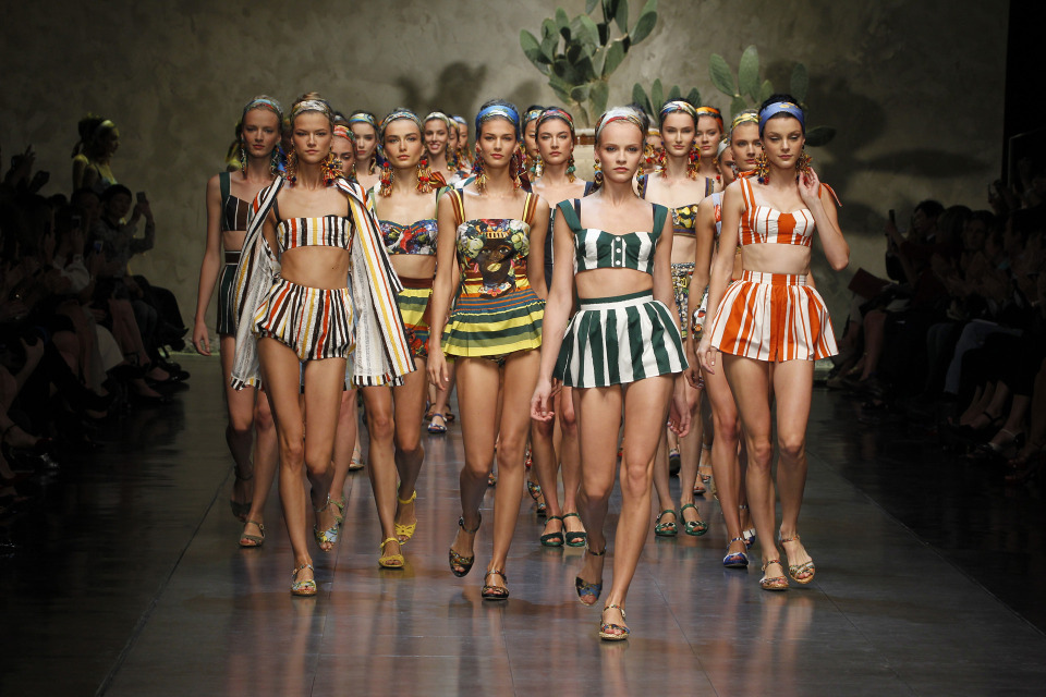 dolce-and-gabbana-ss-2013-women-fashion-show-runway-sicily-folk-photo-87.jpg