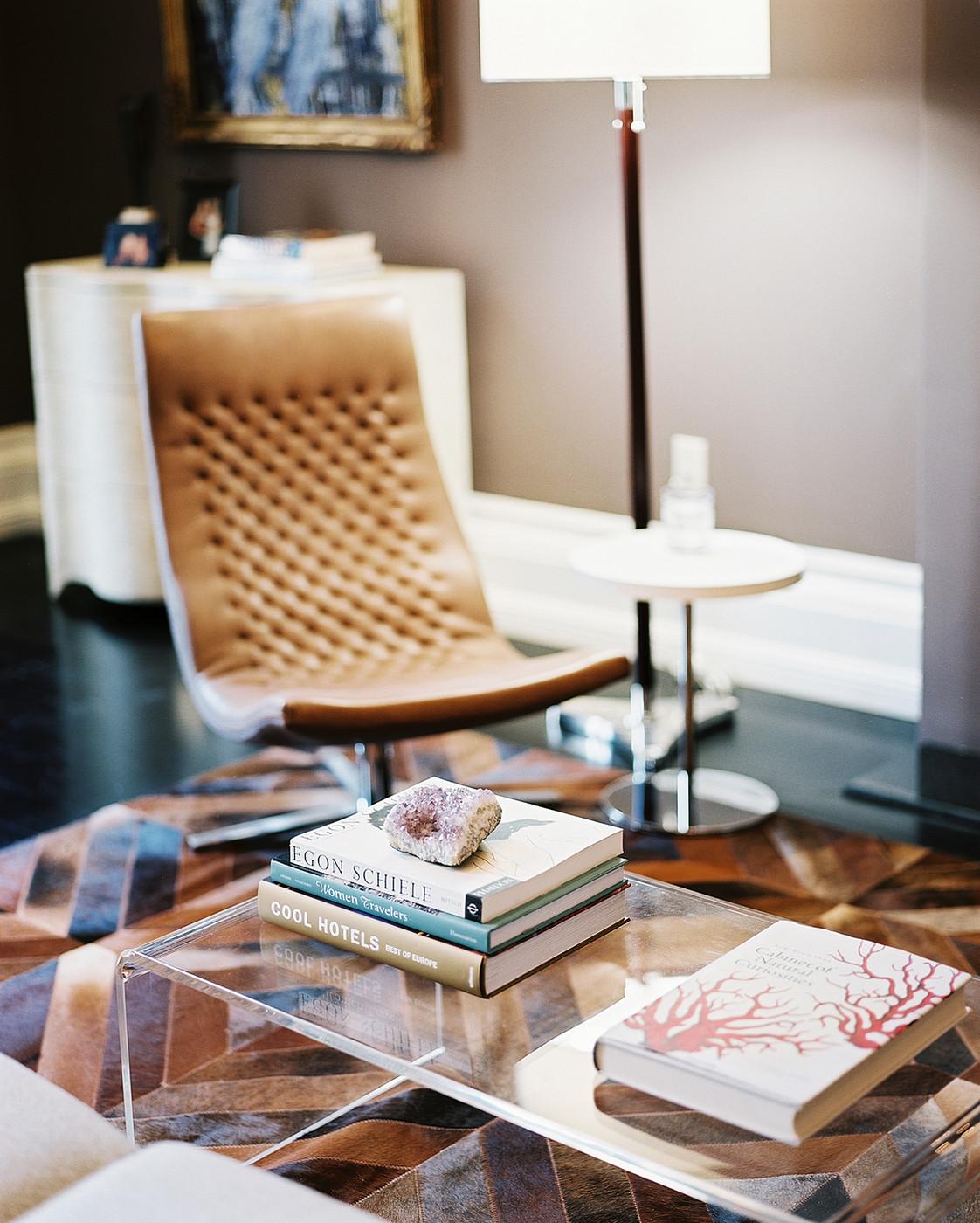Martine-Chaisson-Apartment-07.jpg