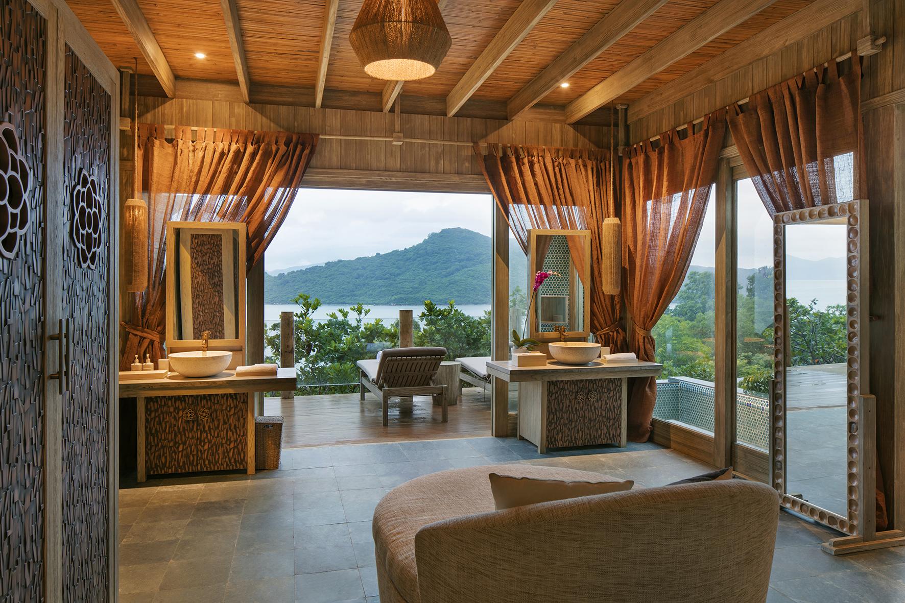 Professional Hotel & Resort Photographer