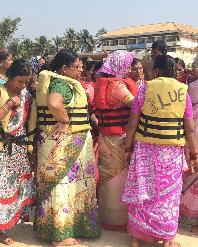 Always wear your life jacket  #youfollowthefilm #india #goa #arabiansea #indianwomen #swim #besafe #saris #pink #yellow #girlfriends #lifejacketss #ridethewaves #excursion