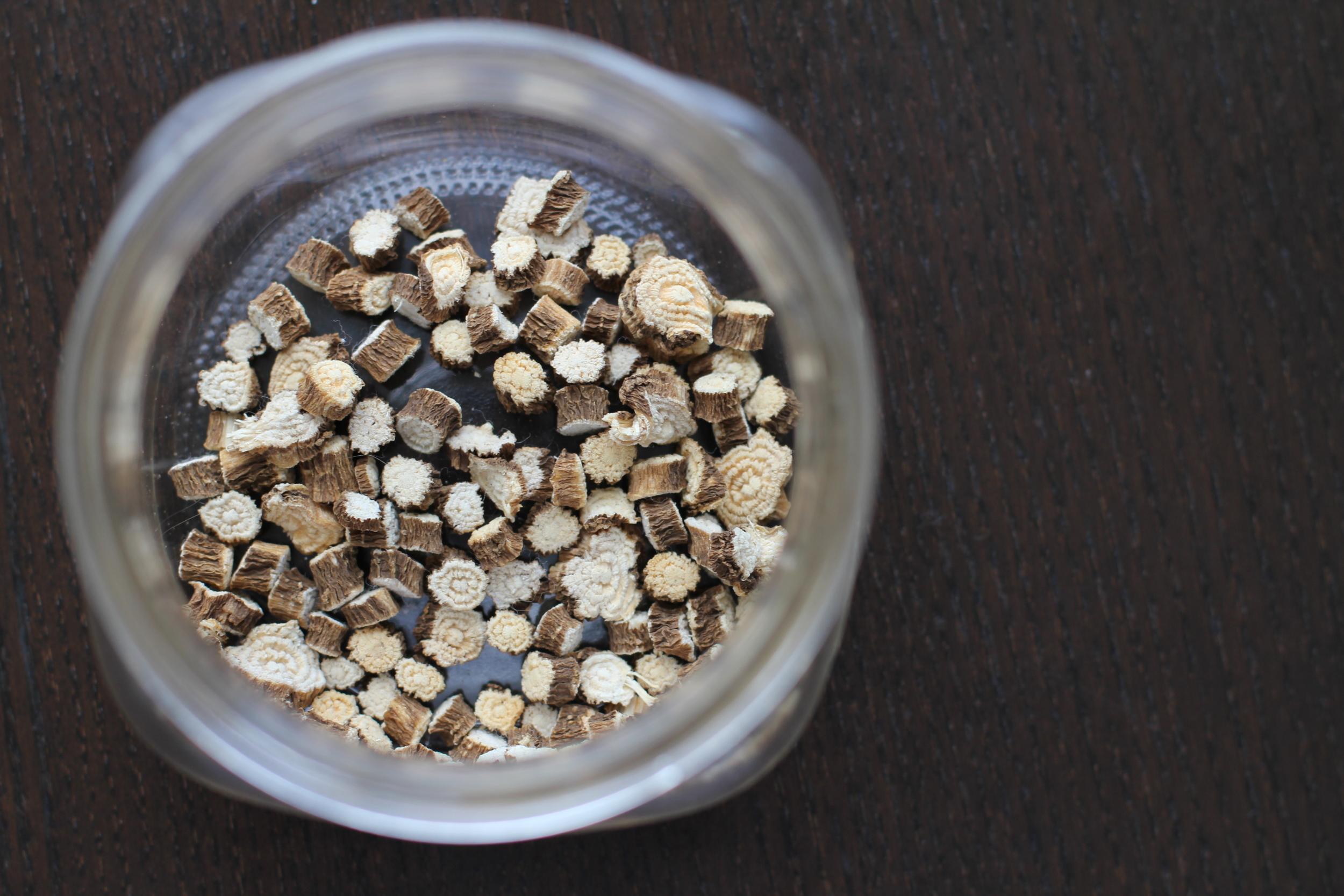 diy herb infused oils botanical medicine herb recipe pokeroot