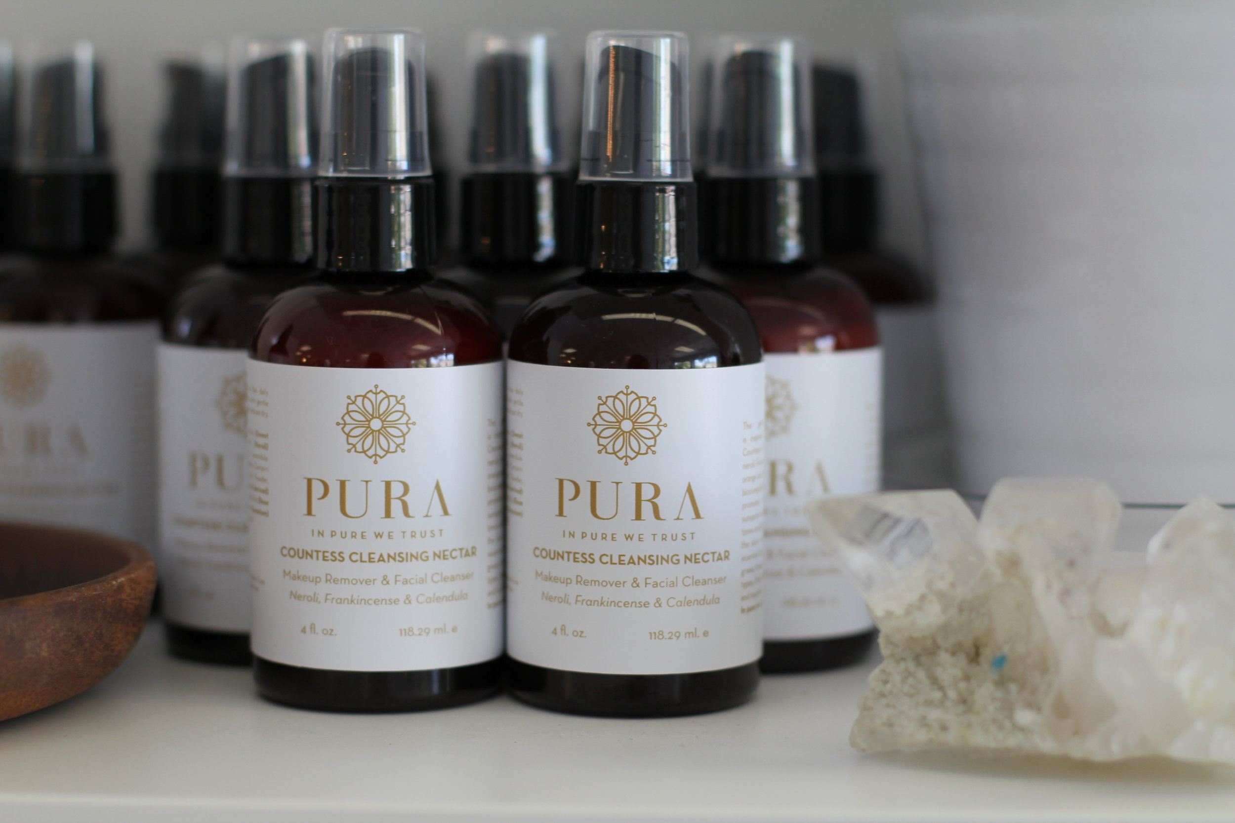 simple living minimalism pura cleanse green beauty night ritual