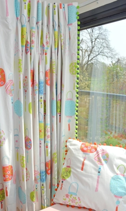Children's curtains and matching bed-set