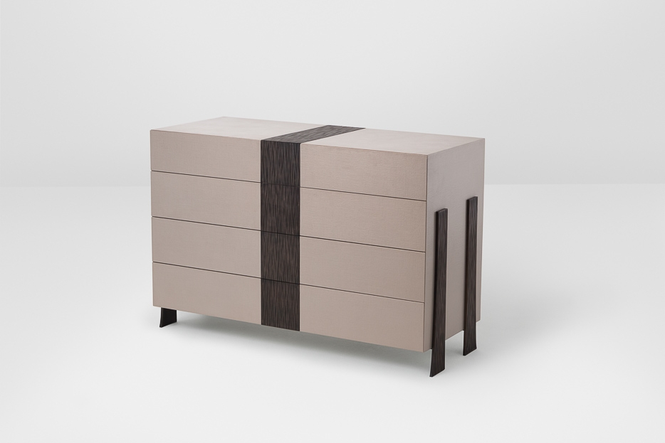 TOBIAS chest of drawers