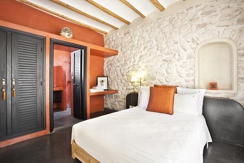 001_Suite_orange_chambre_2.jpg