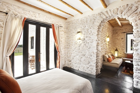 001_Suite_orange_chambre_1.jpg