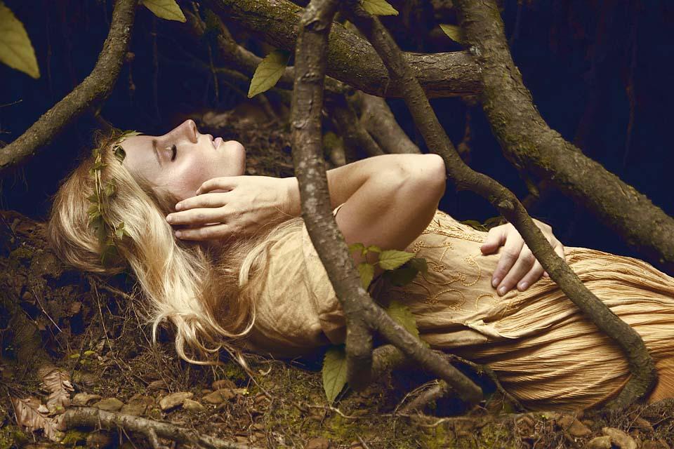 Renata Ramsini Portrait Nicole IV FB].jpg