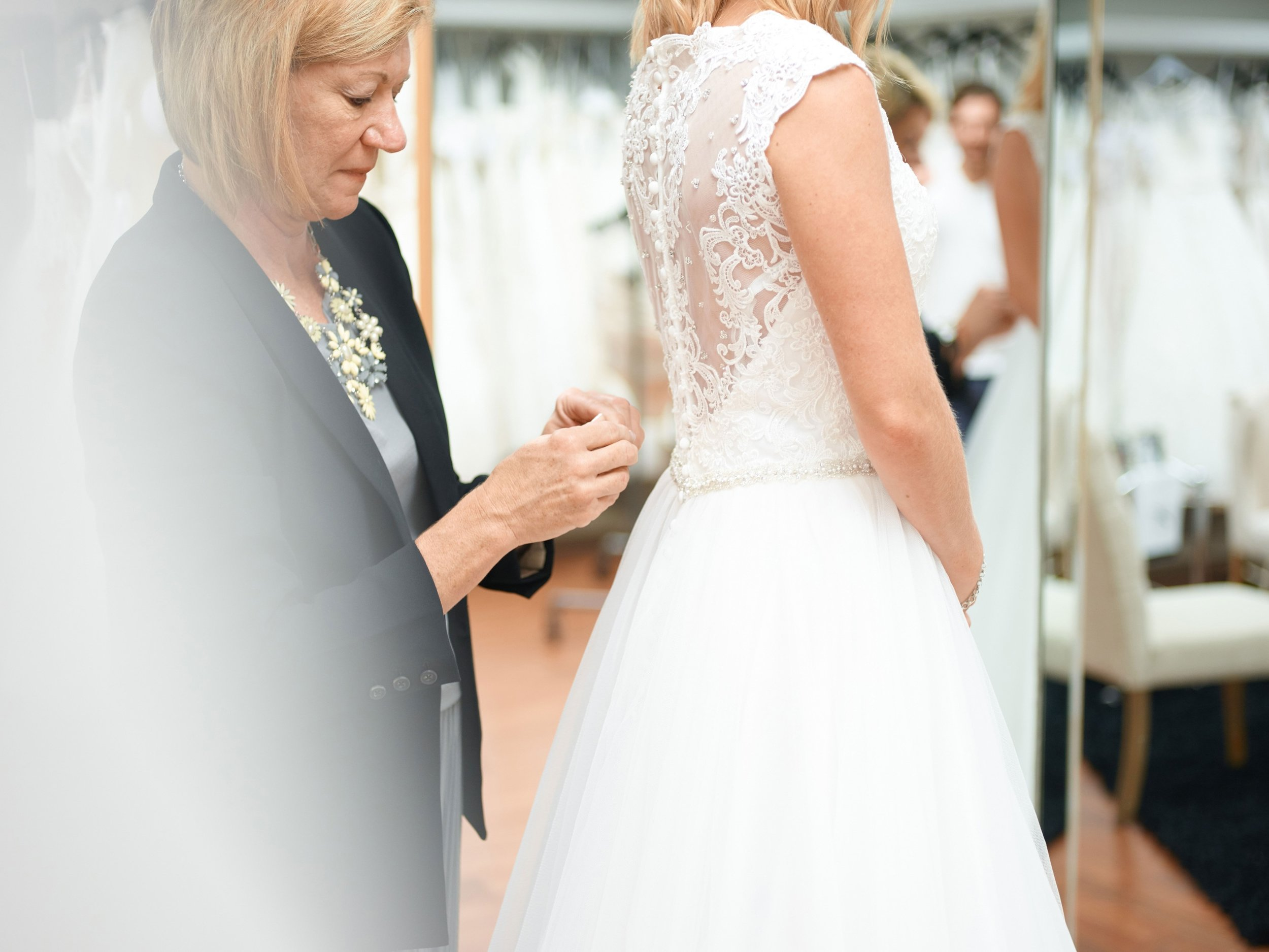 Our experts are here to help you look your best on your special day.
