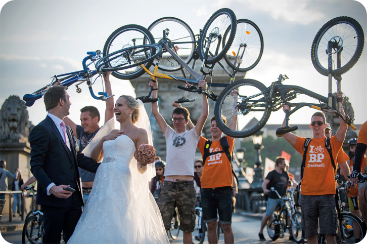 Bicycle wedding in Budapest