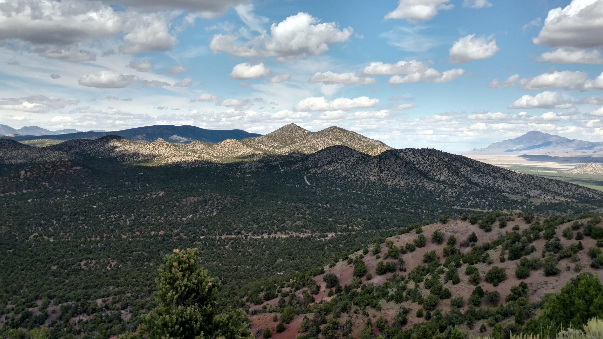 Peak 6701 summit view north of Mine Benchmark