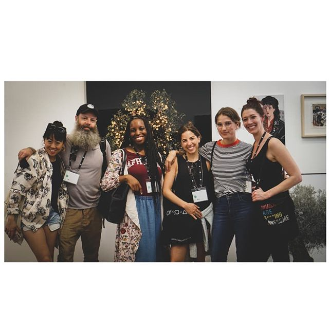 After participating at Reality Storytellers edition last month, I was oh so grateful and excited to host the Reality Travel 19' crew on an @ohsoarty tour last week! Sharing with them our amazing Israeli contemporary art scene and great @artsource.online artists, like photographer Tal Shcohat (in the background) 🙌❤ #realityisrael #ohsoarty #ArtSource  Pic: @luckyrot