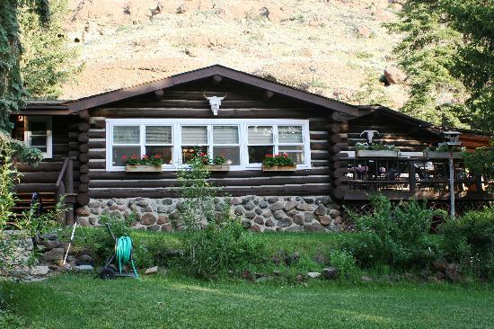 rim-rock-ranch-main-lodge.jpg