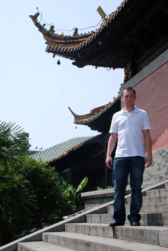 Me and Chinese buildings. For the record, those fucking roofs are really hard to draw.