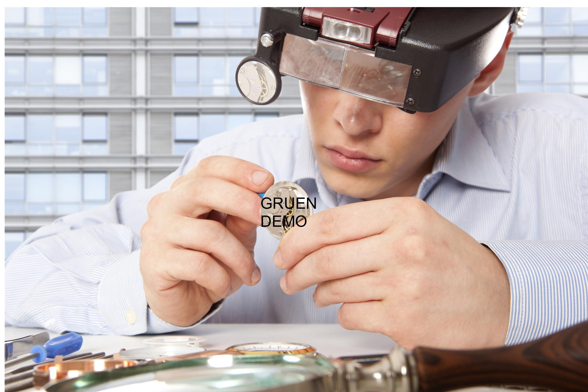 Photo  oben : Stephan Bechtoldt/Shutterstock/DGS Glashuette i.Sa. GmbH